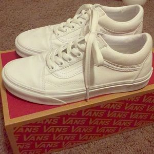True White Old Skool Vans Sneakers